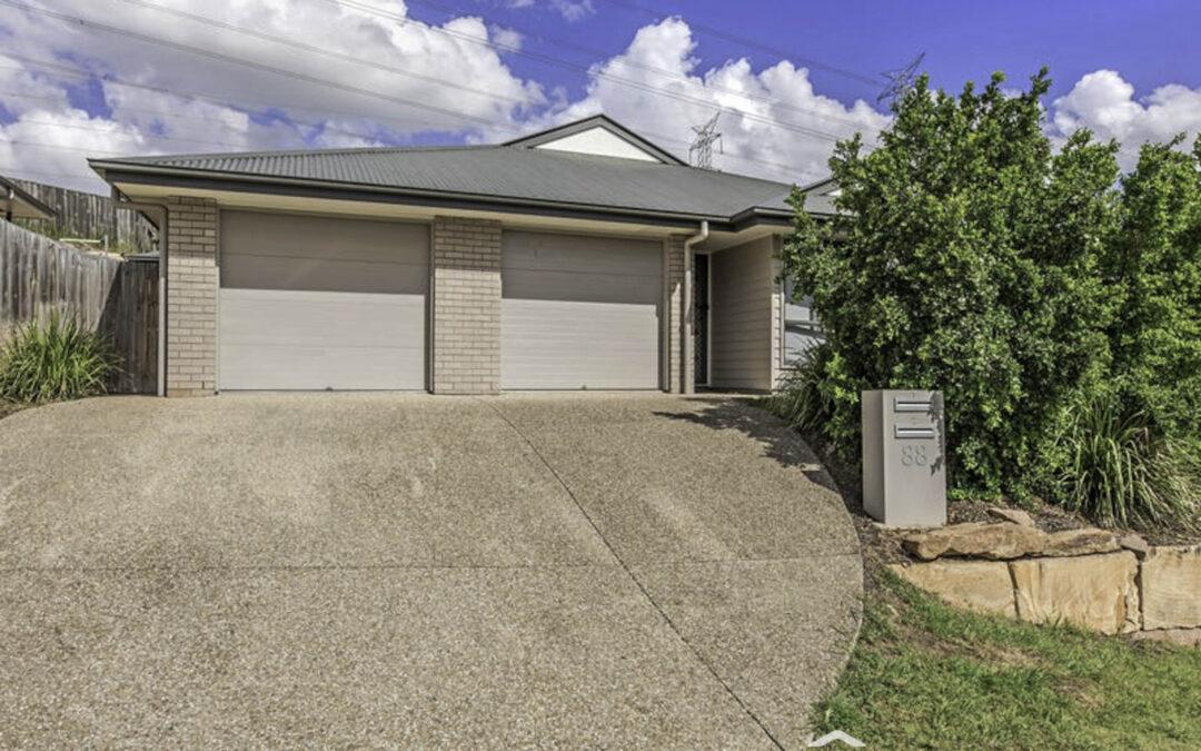 2/88 Brentwood Drive, Bundamba  QLD  4304